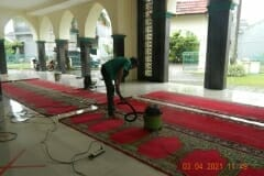 cuci-karpet-masjid-jami-al-istiqomah-april-2021-39