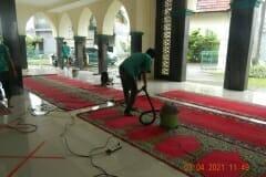 cuci-karpet-masjid-jami-al-istiqomah-april-2021-40