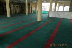 cuci-karpet-masjid-jami-darul-hikmah-03