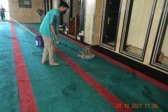cuci-karpet-masjid-jami-darul-hikmah-13