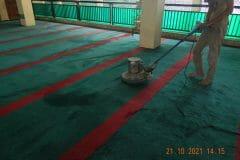 cuci-karpet-masjid-jami-darul-hikmah-14