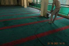cuci-karpet-masjid-jami-darul-hikmah-17