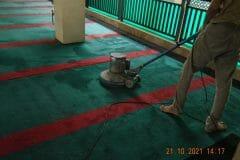 cuci-karpet-masjid-jami-darul-hikmah-20