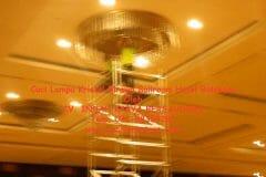 cuci-lampu-kristal-birawa-ballroom-08
