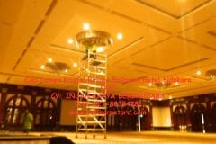 cuci-lampu-kristal-birawa-ballroom-10