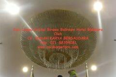 cuci-lampu-kristal-birawa-ballroom-58