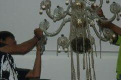 cuci-lampu-kristal-andrawina-ballroom-gedung-antam-hari-1-27