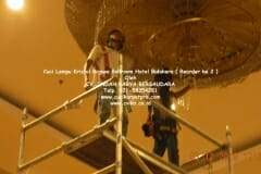 cuci-lampu-kristal-hotel-bidakara-10