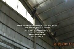 jasa-rope-access-pembersih-sawang-sawang-pabrik-05