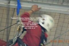 jasa-rope-access-pembersih-sawang-sawang-pabrik-17