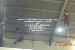 jasa-rope-access-pembersih-sawang-sawang-pabrik-30