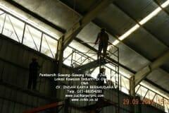 jasa-rope-access-pembersih-sawang-sawang-pabrik-71