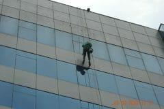 sealant-kaca-gedung-graha-kencana-13