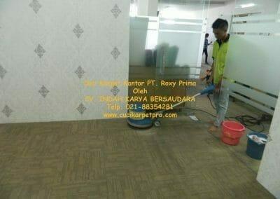 cuci-karpet-kantor-pt-roxy-prima-07