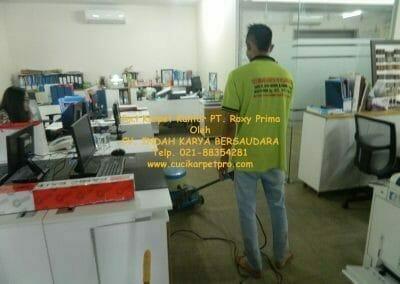 cuci-karpet-kantor-pt-roxy-prima-08