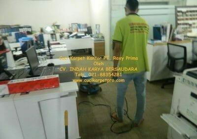 cuci-karpet-kantor-pt-roxy-prima-09