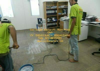 cuci-karpet-kantor-pt-roxy-prima-13