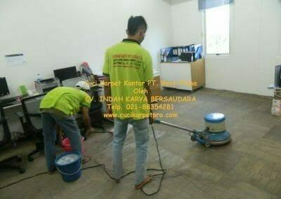 cuci-karpet-kantor-pt-roxy-prima-14