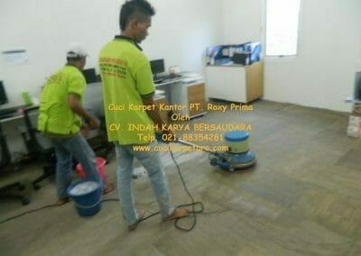 cuci-karpet-kantor-pt-roxy-prima-15