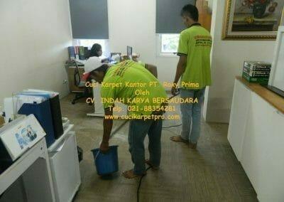 cuci-karpet-kantor-pt-roxy-prima-16