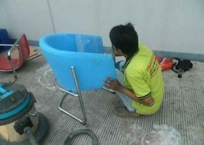 cuci-kursi-kantor-pt-plasess-indonesia-01