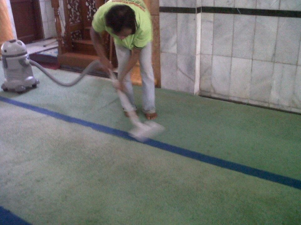 cuci-karpet-masjid-al-anshar-01