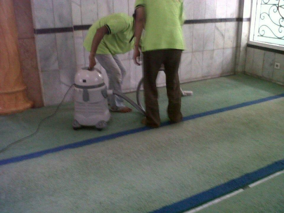 cuci-karpet-masjid-al-anshar-04