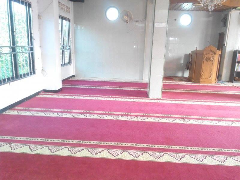 cuci-karpet-masjid-al-mujahidin-02