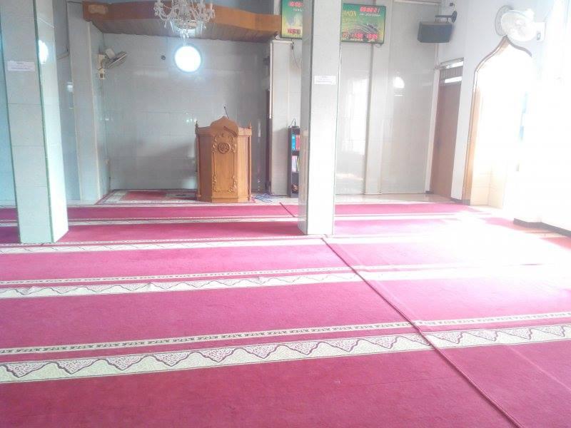 cuci-karpet-masjid-al-mujahidin-03