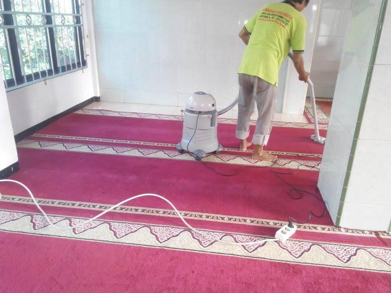 cuci-karpet-masjid-al-mujahidin-04