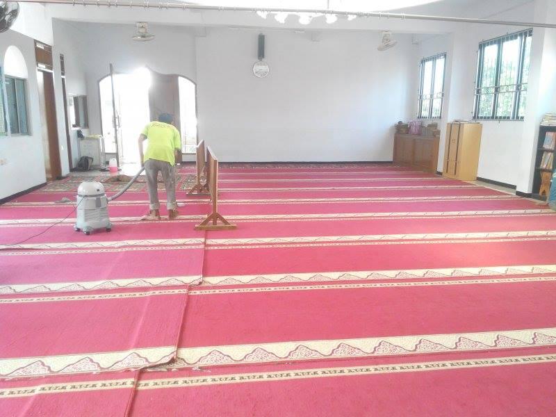 cuci-karpet-masjid-al-mujahidin-06
