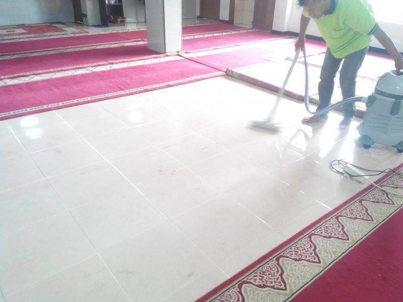cuci-karpet-masjid-al-mujahidin-09