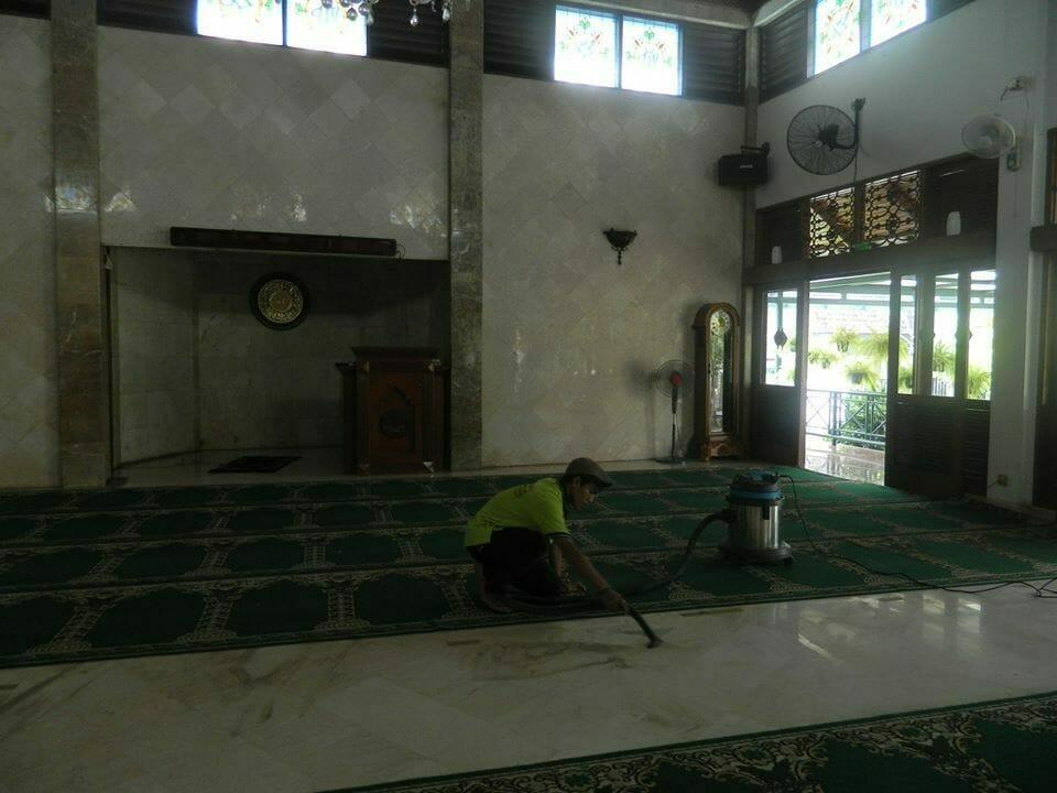 cuci-karpet-masjid-baitul-amaal-03
