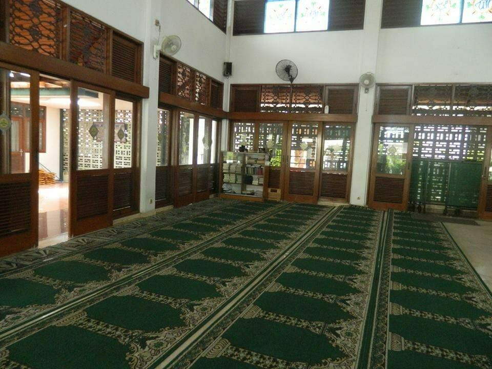 cuci-karpet-masjid-baitul-amaal-06