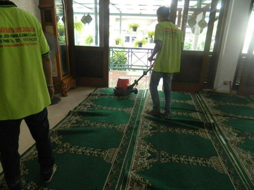 cuci-karpet-masjid-baitul-amaal-08