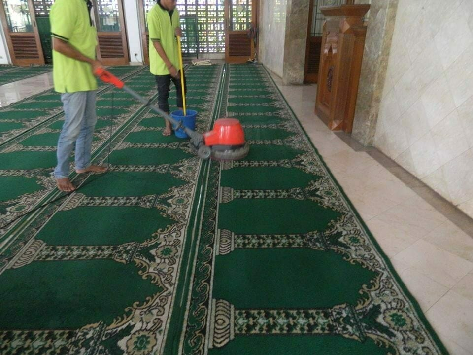 cuci-karpet-masjid-baitul-amaal-09