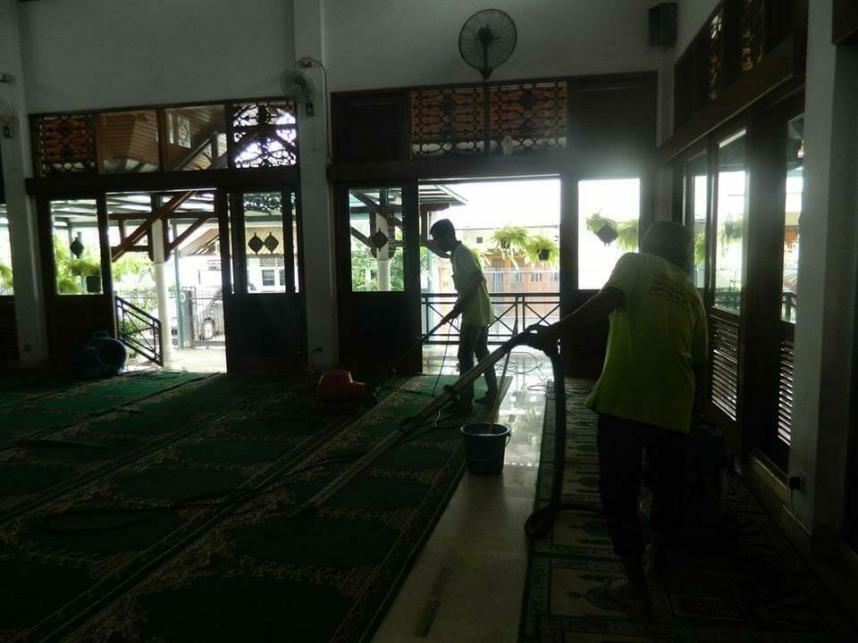 cuci-karpet-masjid-baitul-amaal-14
