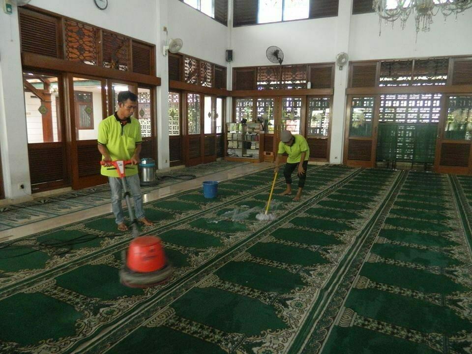 cuci-karpet-masjid-baitul-amaal-15