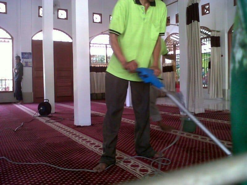 cuci-karpet-masjid-baiturrahman-01