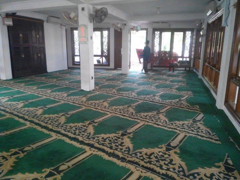cuci-karpet-masjid-jami-al-huda-02