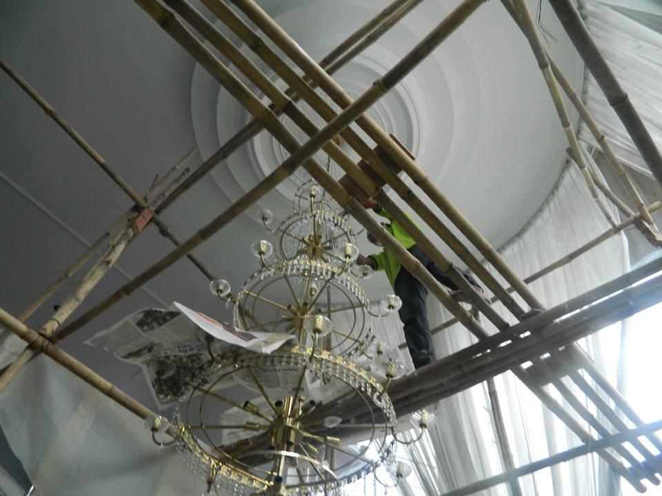 cuci-lampu-kristal-bapak-alex-08