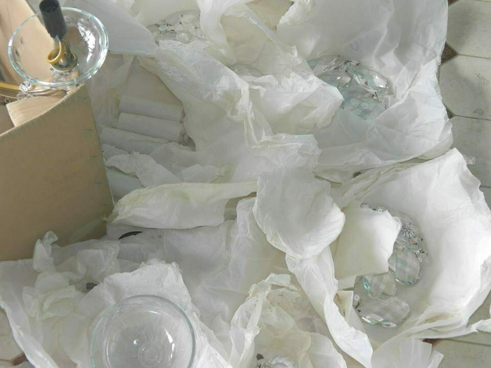 cuci-lampu-kristal-bapak-joko-05