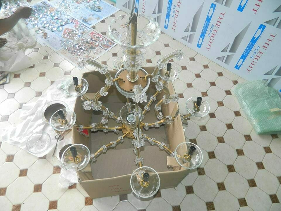 cuci-lampu-kristal-bapak-joko-07