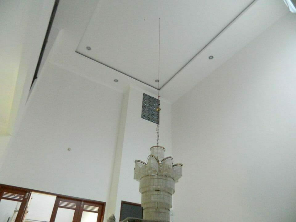 cuci-lampu-kristal-bapak-musa-05