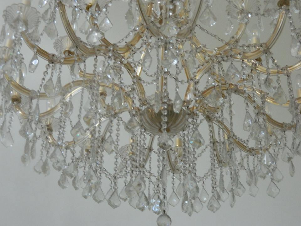 cuci-lampu-kristal-bapak-yanto-09