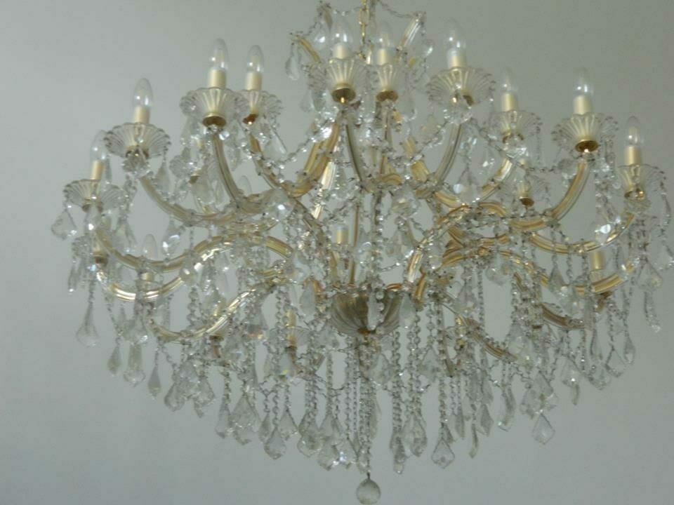 cuci-lampu-kristal-bapak-yanto-10