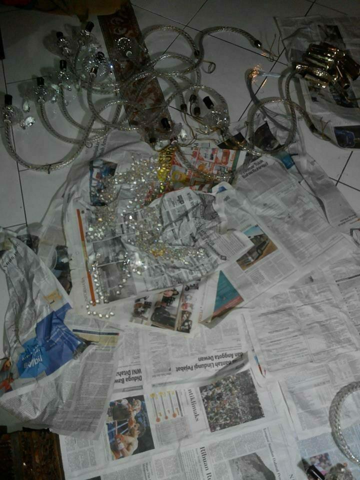 cuci-lampu-kristal-ibu-dewi-04