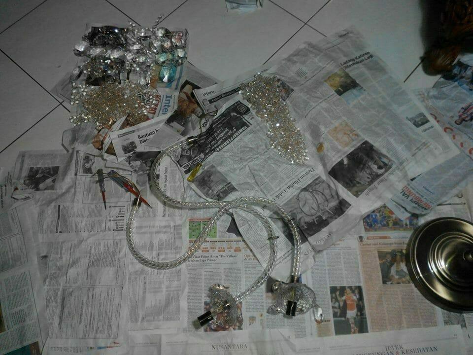 cuci-lampu-kristal-ibu-dewi-06