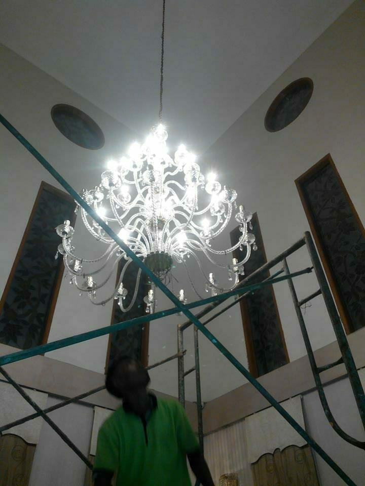 cuci-lampu-kristal-ibu-dewi-07