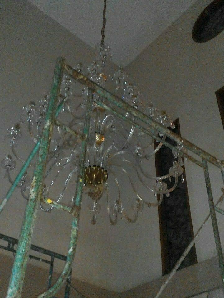 cuci-lampu-kristal-ibu-dewi-09